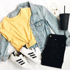 10 weitere Verano-Outfits trendy, verano-outfits im tre . - - 10 weitere Verano-Outfits trendy, verano-outfits im tre . Casual School Outfits, Cute Teen Outfits, Teenage Girl Outfits, Cute Comfy Outfits, Girls Fashion Clothes, Teenager Outfits, Teen Fashion Outfits, Simple Outfits, Pretty Outfits