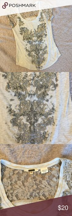 Miss me top Worn but in good condition super cute with sheer lace top great for summer bundle for a better price Miss Me Tops Tees - Short Sleeve
