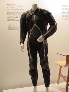Best zombie survival suit. Slash, stab, bite, and scratch proof.
