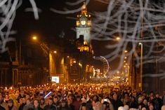 If you are thinking about visiting Edinburgh on New Year's Eve check out our guide to the Hogmanay Party and the Edinburgh Christmas Market. Edinburgh New Years Eve, Visit Edinburgh, New Year's Eve Food Traditions, New Years Traditions, New Years Day Meal, New Years Eve Food, New Years Superstitions, Edinburgh Christmas Market, British Holidays