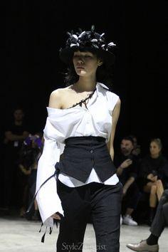 https://www.sz-mag.com/news/2017/09/ann-demeulemeester-ss18-womens-paris/