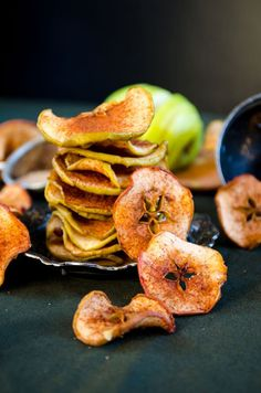 These toasted apple chips are the perfect way to satisfy the snackers of the family. Coated in cinnamon sugar, these sweet treats are perfect in front of the TV, at the kitchen counter, or in the car. Catch all the dusty sprinkles with a Bounty Paper Towel!