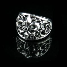 Thailand Sterling Silver Finger Ring.
