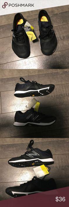 NWT New Balance minimus women's 20v5 trainer sz6.5 NWT New Balance minimus women's 20v5 trainer sz6.5 -- black/white New Balance Shoes Sneakers