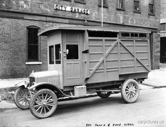 Vintage Cars 1922 Model T Ford Utility Truck. Antique Trucks, Vintage Trucks, Antique Cars, Old Ford Trucks, Pickup Trucks, Cool Trucks, Big Trucks, Classic Trucks, Classic Cars