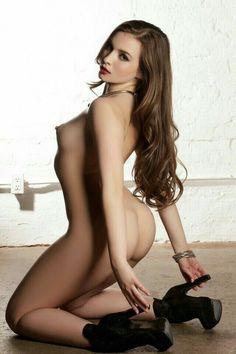 Mandy Kay Nude Beach Pose Curves Erotic Ginger Girls Naked