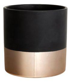 Glazed ceramic pot. Height 6 in., diameter approx. 5 1/4 in.