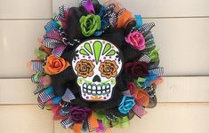 Day of The Dead Wreath Dios de le Muerte Wreath Halloween | Etsy Halloween Burlap Wreaths, Halloween Door Decorations, Burlap Wreath Tutorial, Diy Wreath, Feather Wreath, Halloween Greetings, Halloween Coloring, Halloween Skull, Color Mixing