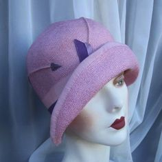 1920s Flapper Fine Straw Cloche, Perfect Gatsby look in Pink, Lavender, Excellent Condition. @designerwallace
