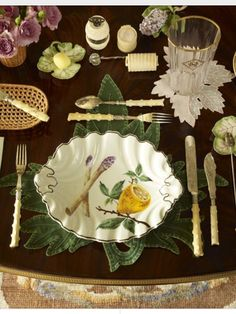Lunch tablescape in New York apartment of Howard Slatkin, from his book Fifth Avenue Style