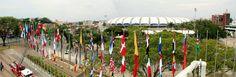 Cali iza banderas de 120 países