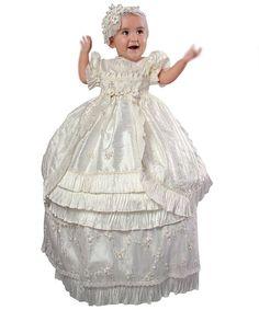 Camicino per battesimo tradizionale per ragazza, abito molto lungo con ruches in seta. Labito è corto maniche, i dettagli sono di seta e pizzo. Posso fare il colore desiderato per il vestito: bianco, beige, avorio, rosa Posso anche fare un piccolo cappello. Il cappello su questa foto