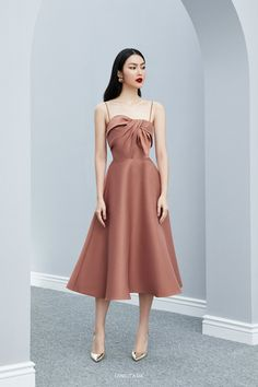 Stunning Trendy Strapless Dresses Style Ideas That You Must Have Simple Dresses, Elegant Dresses, Pretty Dresses, Beautiful Dresses, Short Dresses, Formal Dresses, Formal Midi Dress, Teen Dresses, Midi Dresses