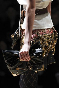 Prada Fall 2016 Ready-to-Wear Accessories Photos - Vogue