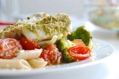 Fiskeform med smak av Italia - oppskriften finner du på myldre.com. Tasty dinner with fish, vegetables and pesto.