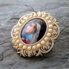 rare vintage antique portrait brooch of Queen Victoria by The Paris Carousel, $130.00