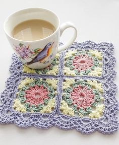 Grannysquare - mygrannysquares,crochet-Hope you are having a lovely weekend! Crochet Motif Patterns, Granny Square Crochet Pattern, Crochet Blocks, Crochet Squares, Granny Squares, Crochet Art, Crochet Home, Crochet Crafts, Crochet Projects