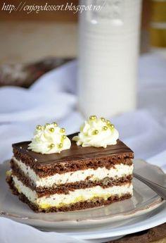 Prajitura cu crema de vanilie si mascarpone.