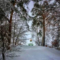#Winter #fairytale❄️🌬⛄️#dark #blue #sky #sunset  #white #snow #frost #beautiful #architecture #church #tree 🌲