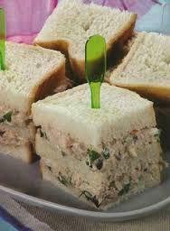 Resultado de imagem para mini sanduiches para festas                                                                                                                                                     Mais