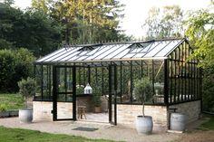Pavillon Danmark: Viktorianske ønsker Outdoor Garden Sink, Outdoor Plants, Outdoor Life, Outdoor Spaces, Outdoor Gardens, Outdoor Living, Outdoor Decor, Glass Green House, Garden Beds