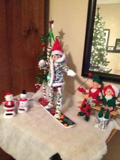 100+ Elf im Regal Ideen für Kinder mit Nachrichten, die Kinder lieben werden 100+ Elf im Regal Ideen für Kinder mit Nachrichten, die Kinder lieben werdenDie Weihnachtszeit ist da und es ist Zeit, Ihren Elfen ins Regal #Einfach # #Selbstgemacht #Niedlich #Geschenke #Rustikal #Videos #Baum