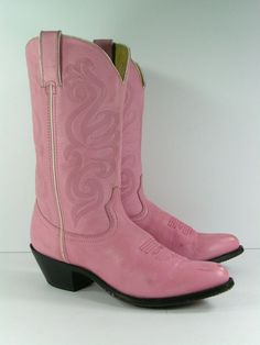 e478bbc3dd938 333 Best Women's Cowboy boots & fashion boots images in 2019 ...