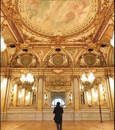Paris is always a good idea Opera Garnier Paris, Paris Opera House, Monuments, Gold Rooms, Breath In Breath Out, Oui Oui, Museum Of Fine Arts, Versailles, Paris France