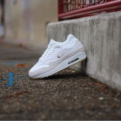 0b7656ad213 Nike Air Max 1 Premium SC Jewell