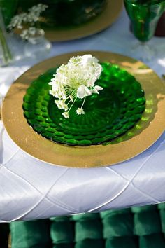 48 Sophisticated Emerald And Gold Wedding Ideas To Get Inspired   HappyWedd.com