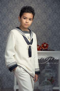 fotografias de comunion Young Boys Fashion, Boy Fashion, Vintage Children Photos, Boy Models, Nautical Fashion, Male Face, Formal Wear, Kids And Parenting, Kids Boys