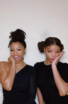 "May 2020 - ""feelin real moody this quarantine 🥴🥺🖤"" Black Girls Hairstyles, Cute Hairstyles, School Hairstyles, Halloween Hairstyles, Hairstyle Short, Updo Hairstyle, Wedding Hairstyles, Dreads, Chloe Halle"