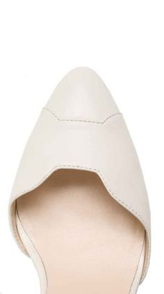 Hochzeitsminikleid Papillon Sleeve von Kaviar Gauche Clutch Mini, White High Heels, Berlin Fashion, Bow Belt, Lingerie Dress, Envelope Clutch, Rind, Fashion Labels, Elegant