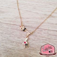 Pendiente Alice En Stock, Ladybug, Bugs, Arrow Necklace, Alice, Jewelry, Fashion, Choker Necklaces, Chokers