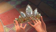 Rapunzel's crown--i love it! \ 940847_1328045149702_full.jpg 1,876×1,080 pixels