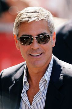 George Clooney what a handsome man George Clooney Family, Nick Clooney, Gorgeous Men, Beautiful People, Outfits Hombre, Hollywood Actor, Grey Hair, Good Looking Men, Beard Styles