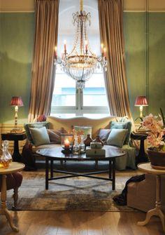 Het nieuwe House of Porters Home Living Room, Living Spaces, Warren House, Famous Interior Designers, Green Rooms, Traditional House, Decor Styles, Art Deco, House Decorations