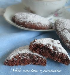 Biscotti morbidi con mandorle e cacao