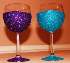 glitter wine glasses <3