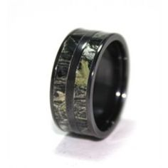 Camo wedding ring for men. And would love to have my future husband wear!!!