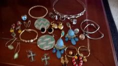 Large costume vintage mixed jewelry lot