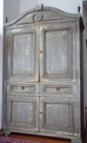 Divine Theatre: Gustavian Armoire Tutorial (Old White undercoat and French Linen for the topcoat). Painted Furniture, Gustavian, Pine Furniture, Paint Furniture, Furniture Inspiration, French Armoire, Shabby Chic Bedrooms, Shabby Chic Furniture, Painted Armoire