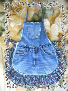 Cotton apron trim is different! cotton apron trim is different! - Cotton apron trim is different! It … cotton apron trim is different! Jean Crafts, Denim Crafts, Sewing Hacks, Sewing Projects, Sewing Basics, Jean Apron, Cute Aprons, Sewing Aprons, Denim Aprons