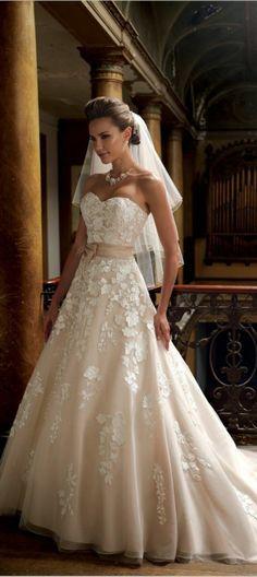 Brautkleid mit schleife farbig