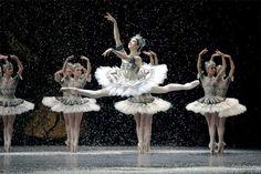 Paris Opera Ballet - The Nutcracker (Snow Scene)