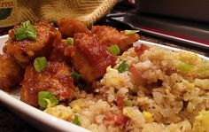 Which among us don't enjoy Asian food?  Well this Cauliflower Fried Rice dish will be an awesone addition to your keto diet list of delicious foods.