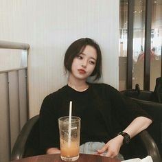 Image about girl in ulzzang by Dafnne ♡ on We Heart It Ft Tumblr, Tumblr Girls, Korean Aesthetic, Aesthetic Girl, Korean Ulzzang, Korean Girl, Korean Beauty, Asian Beauty, Asian Woman
