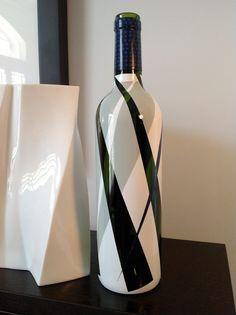 Items similar to Carmen - up-cycled hand painted wine bottle on Etsy Painted Glass Bottles, Recycled Glass Bottles, Glass Bottle Crafts, Wine Bottle Art, Diy Bottle, Decorated Bottles, Garrafa Diy, Wine Decor, Bottle Painting