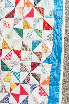 Vintage Broken Dishes quilt Half Square Triangle Quilts, Traditional Quilts, Vintage Love, Fabric Scraps, Quilting, Stains, Sew, Dishes, Stitch