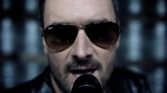 Ray Ban aviator sunglasses worn by Eric Church in COLD ONE by Eric Church (2014) @raybanofficial